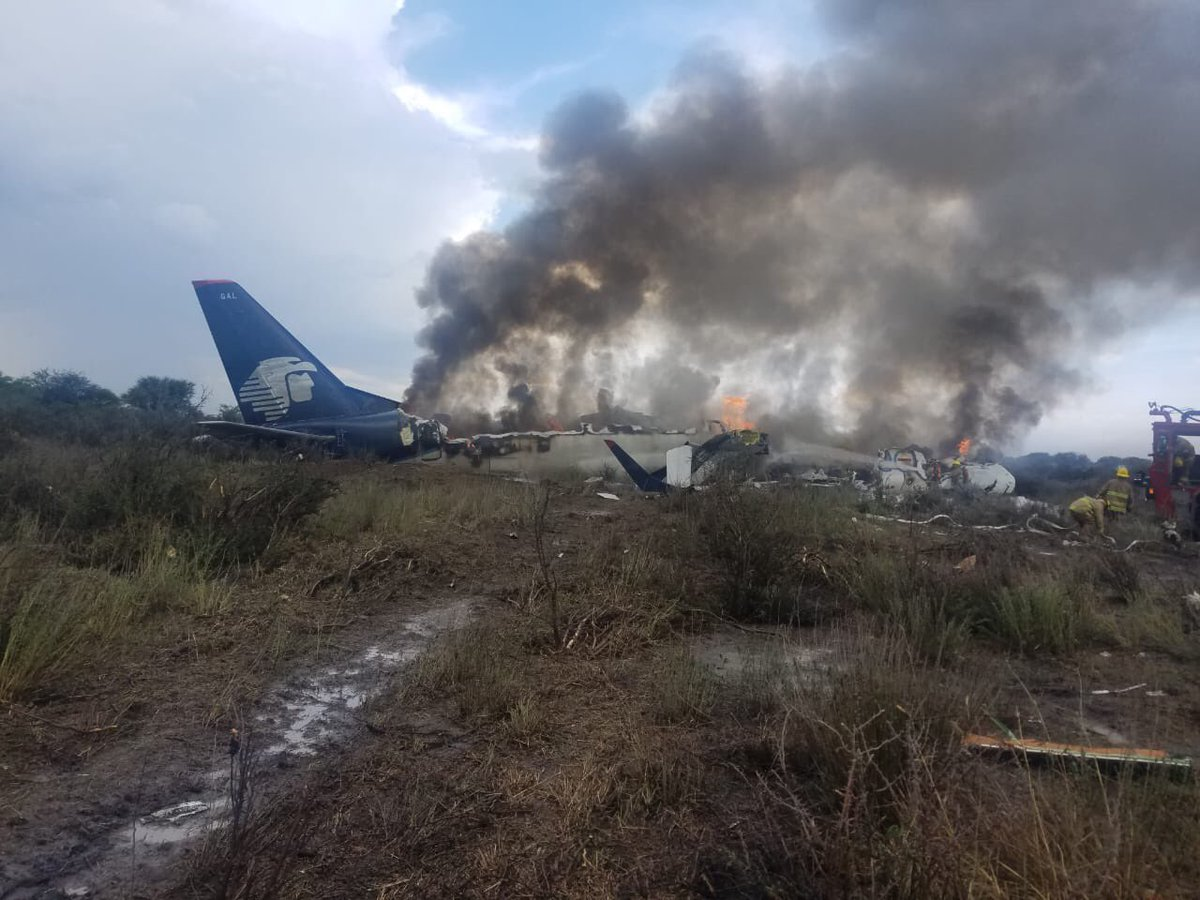 Resultado de imagen para aeromexico connect E190 air crash